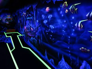 Indoor Funpark Pleinfeld Schwarzlicht Minigolf